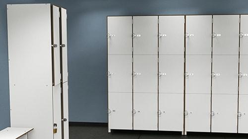Casiers salle de sport blanc - page stratifie compact