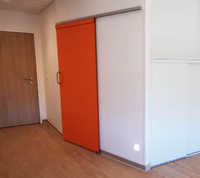 EHPAD Bron Lépine - Porte coulissante COOLINEO - V014 Vinyle - côté chambre - fermée