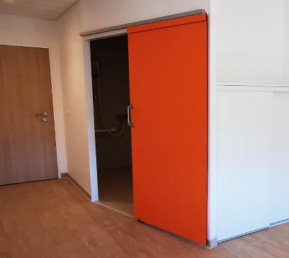 EHPAD Bron Lépine - Porte coulissante COOLINEO - V014 Vinyle - côté chambre - ouverte